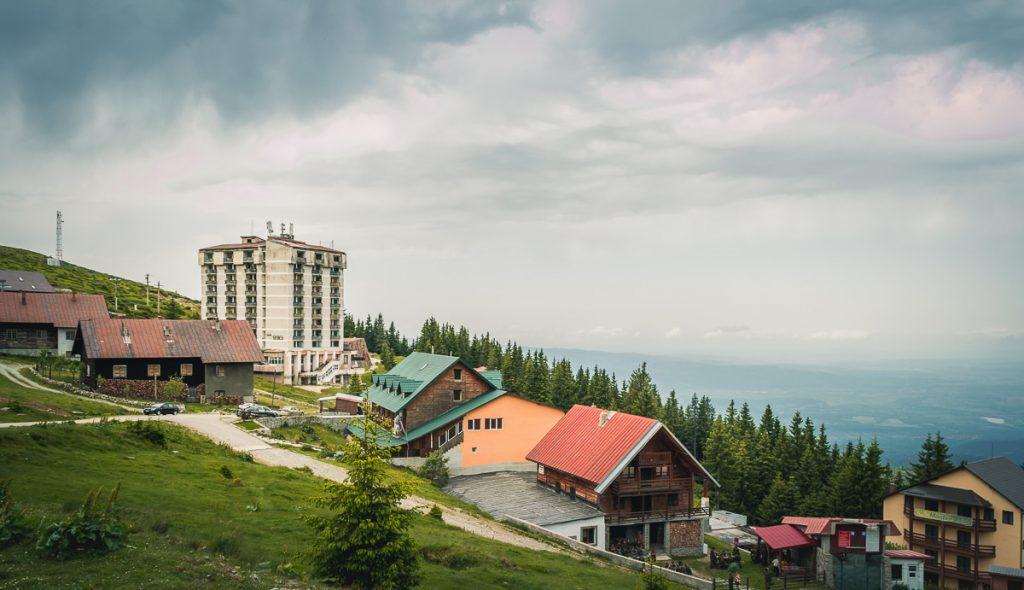Cabins and hotels in Muntele Mic.