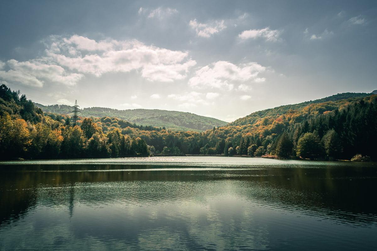 Lake Miniş in the Cheile Nerei – Beușnița National Park