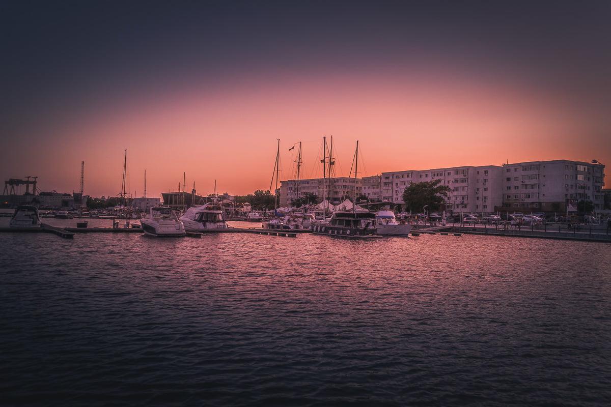 The touristic port.
