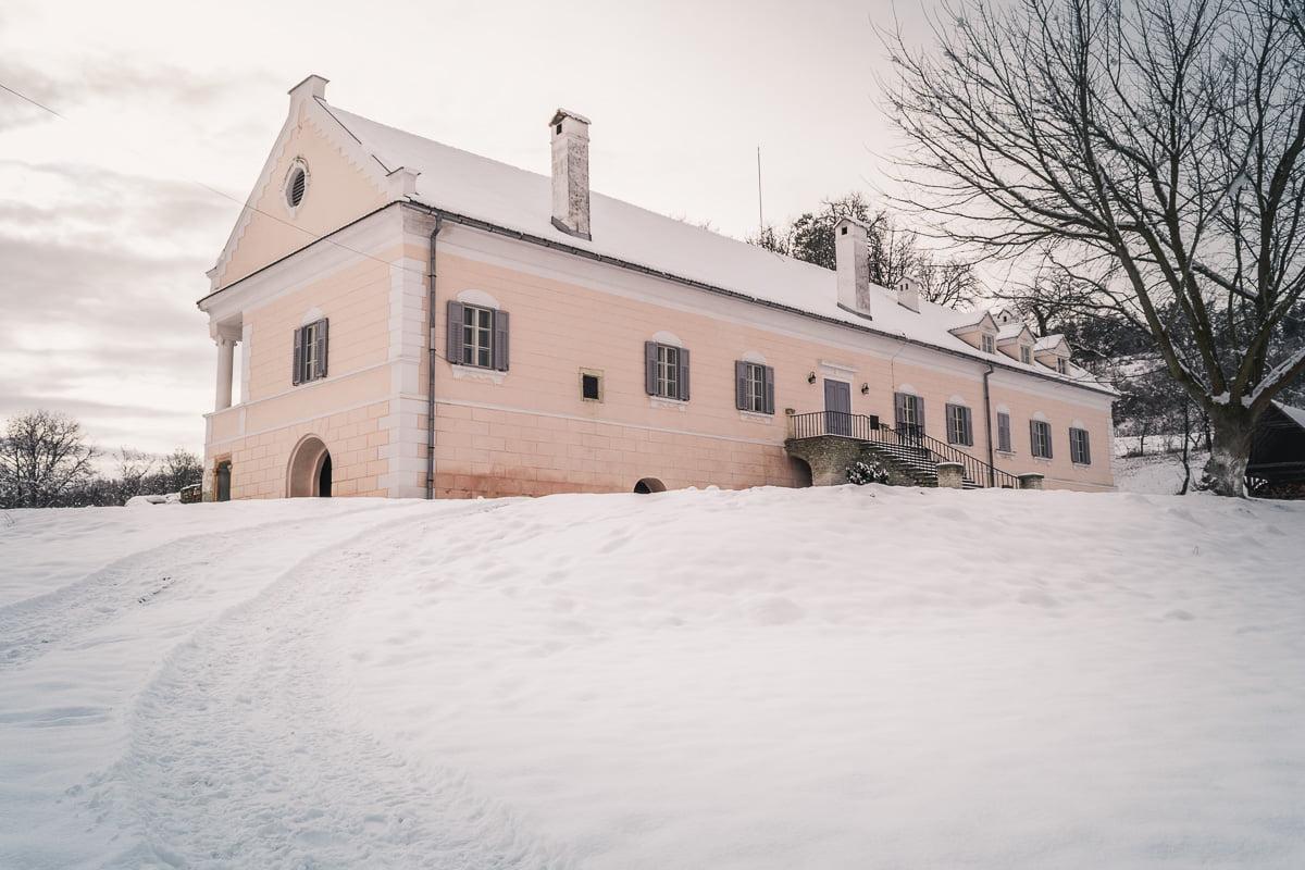 The Apafi manor in Mălâncrav.