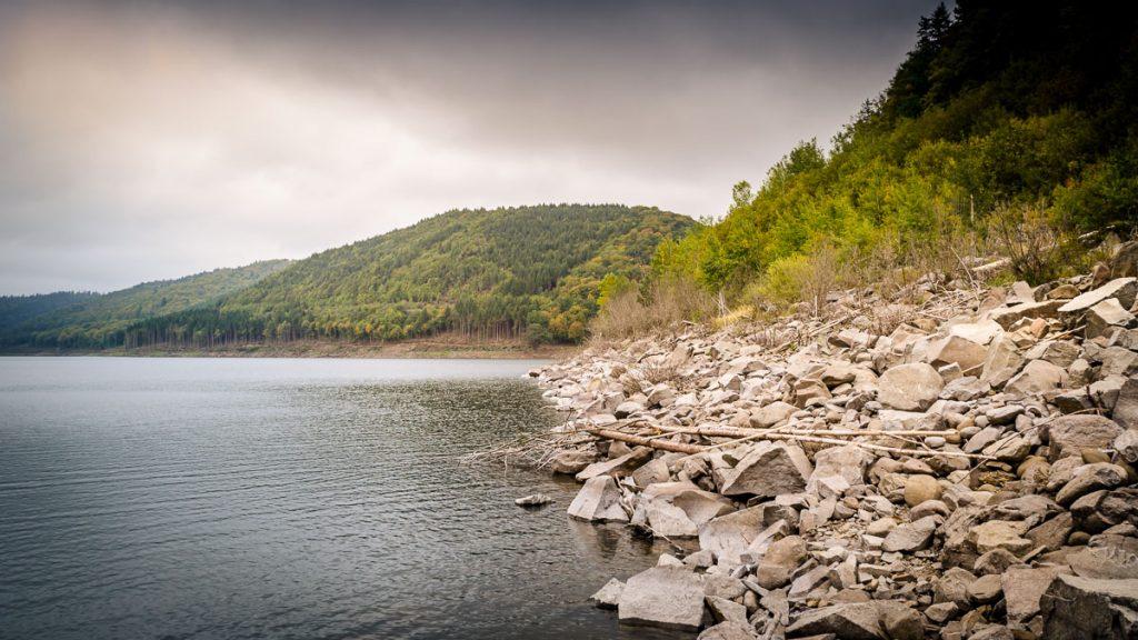 Large rocks on the shore of lake Zetea.