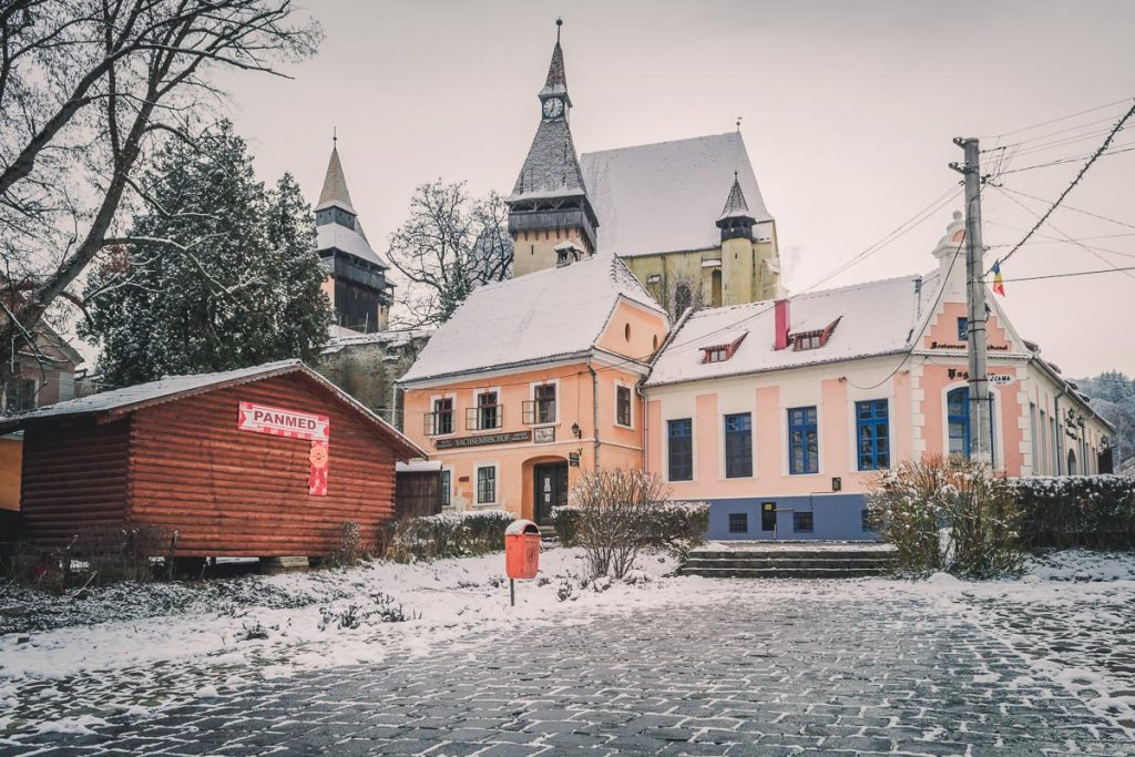 The fortified church and the Unglerus restaurant.