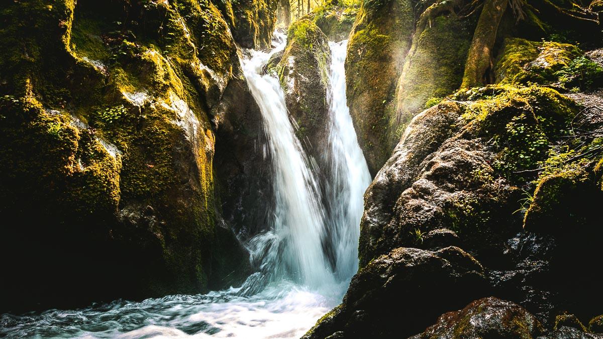 The Şopot waterfall