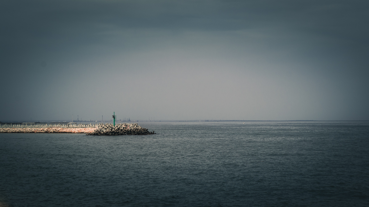 The Black Sea and the entrance into the port of Tomis.