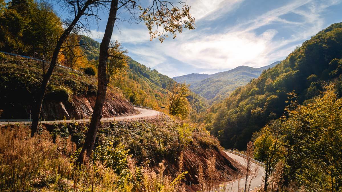 The mountains surrounding the Transluncani road.