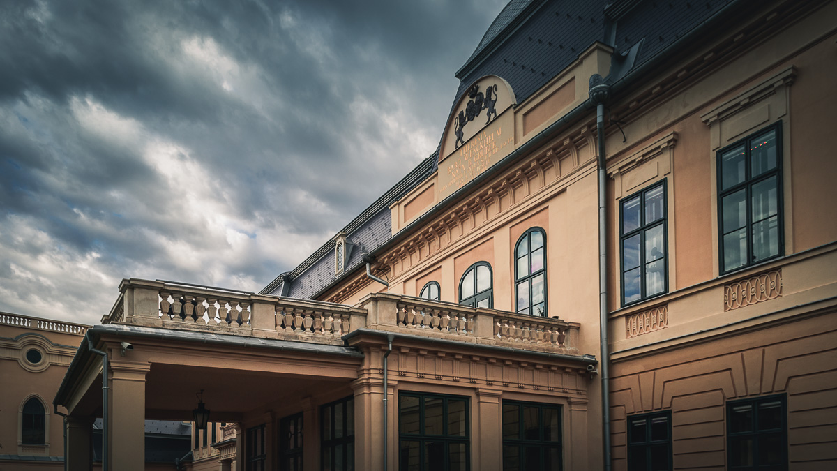 The castle's balcony.