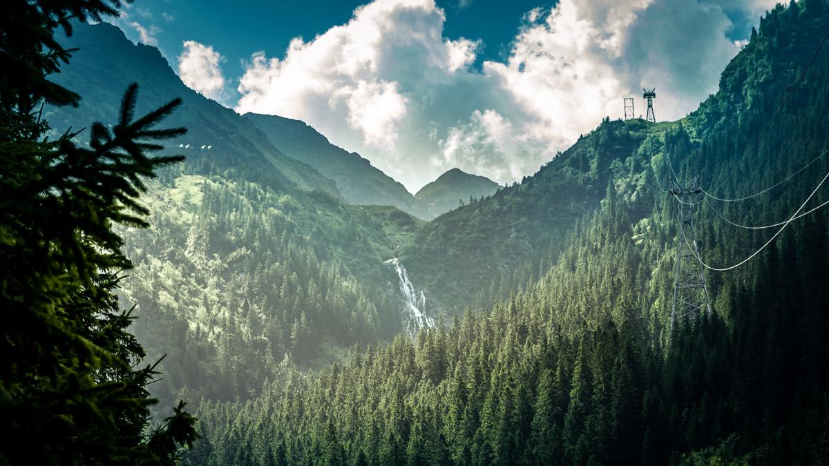 The Bâlea waterfall.